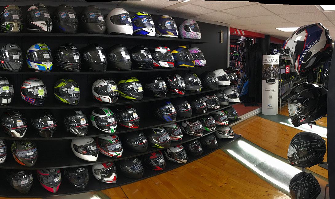 Exposición casco Automoto
